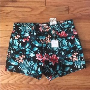 NWT SO Tropical Printed Shorts Size 11